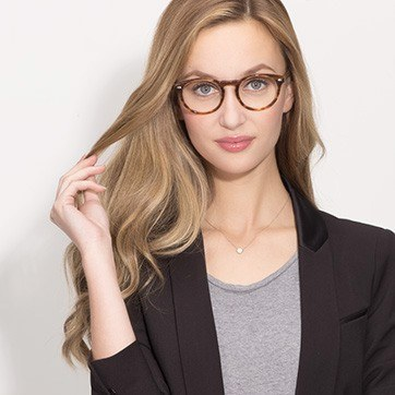Brown Striped The Loop -  Geek Acetate Eyeglasses - model image