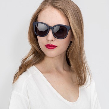 Matte Navy Elena -  Plastic Sunglasses - model image