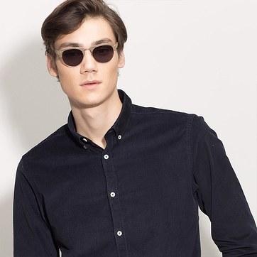 Walnut & Gold The Hamptons -  Wood Texture Sunglasses - model image