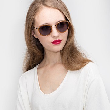 Brown Sun Tea -  Acetate Sunglasses - model image