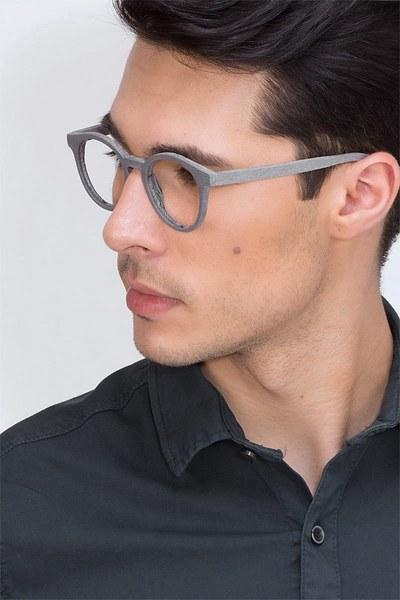 Breeze - men model image