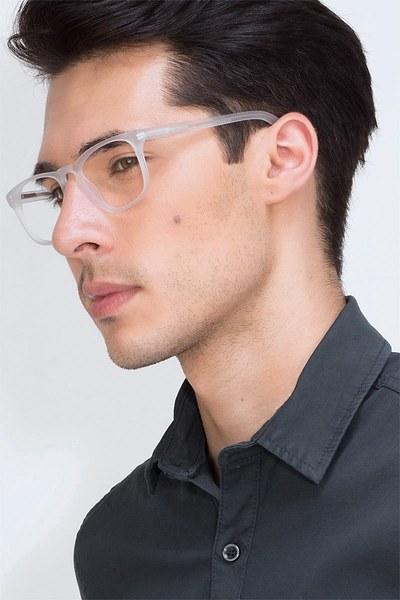 Rhode Island - men model image