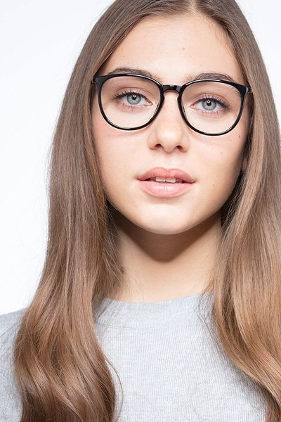 Naomi - men model image