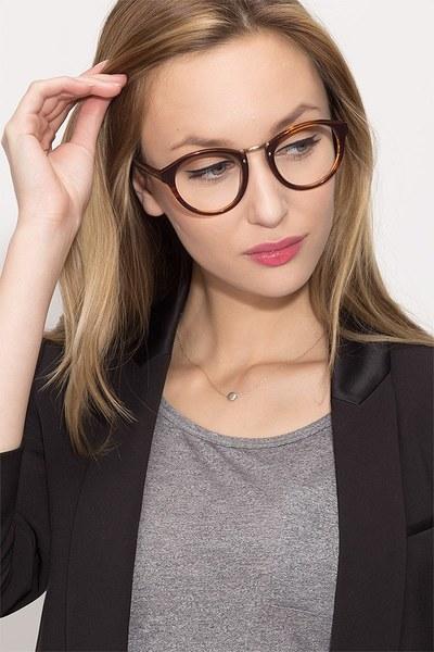 Rita - men model image