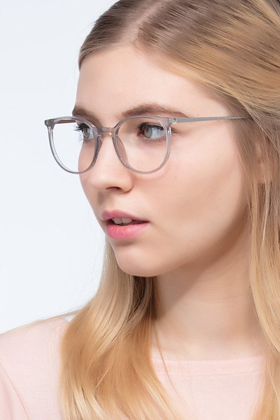Marilou - men model image