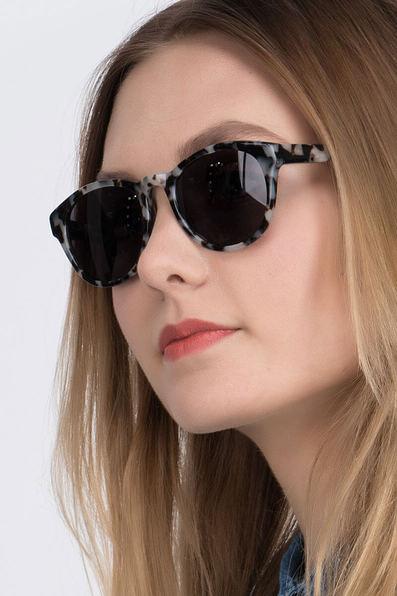 Coppola - women model image